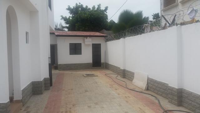 6 BEDROOM UNFURNISHED (NEW SENEGAMBIA HIGHWAY)