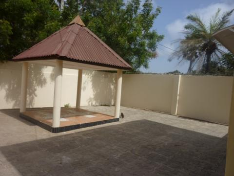 Three bedroom unfurnished storey-house situated at Manjai-kunda