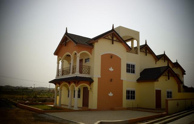 CHERRY HOUSE 3 bedroom story house in BARAKAH estate (Bakoteh)