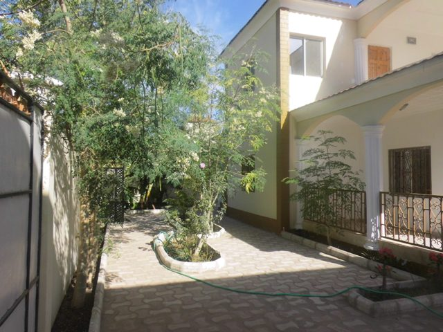 4 bedrooms unfurnished storey house located in Brusubi phase 2
