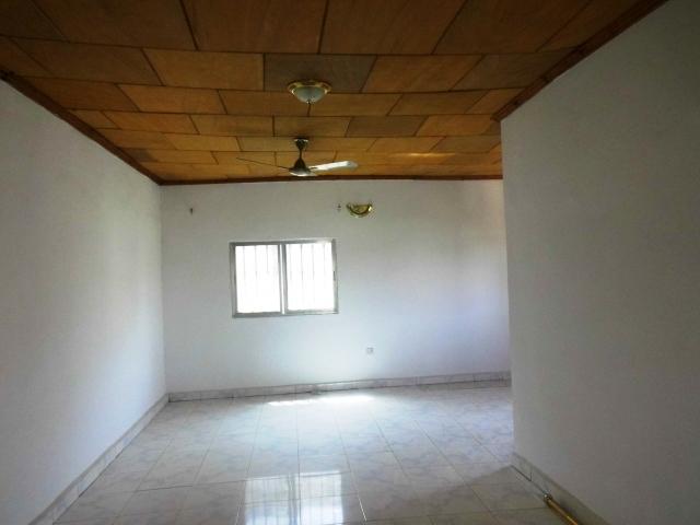 A beautiful 4 bedroom house unfurnished house Kerr Serigne