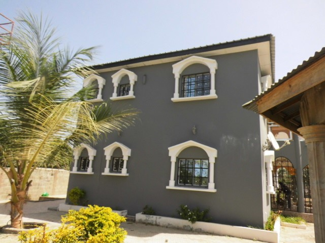 A beautiful 6 bedroom house fully furnished located at Batokunku