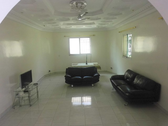 A lovely 2bedrooms bungalow (Partly furnished)