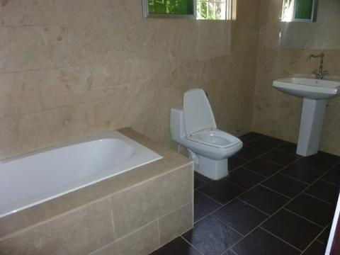 lovely three bedrooms unfurnished storey building