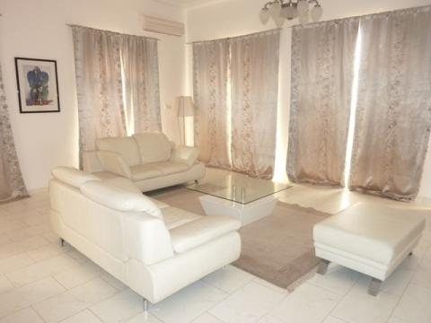 Dynamic four bedrooms fully furnished en-suite property