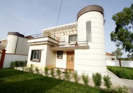 JUFFURE HOUSE 3 bedroom story house in (Salagi)