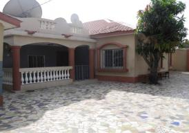 Beautiful 3 bedroom Bungalow with boys quarters located at Sinchu Alagie
