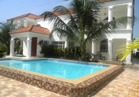 5 bedroom house with pool in Brufut